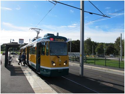 Raitiovaunu Navestadin päätepysäkillä 18.9.2013